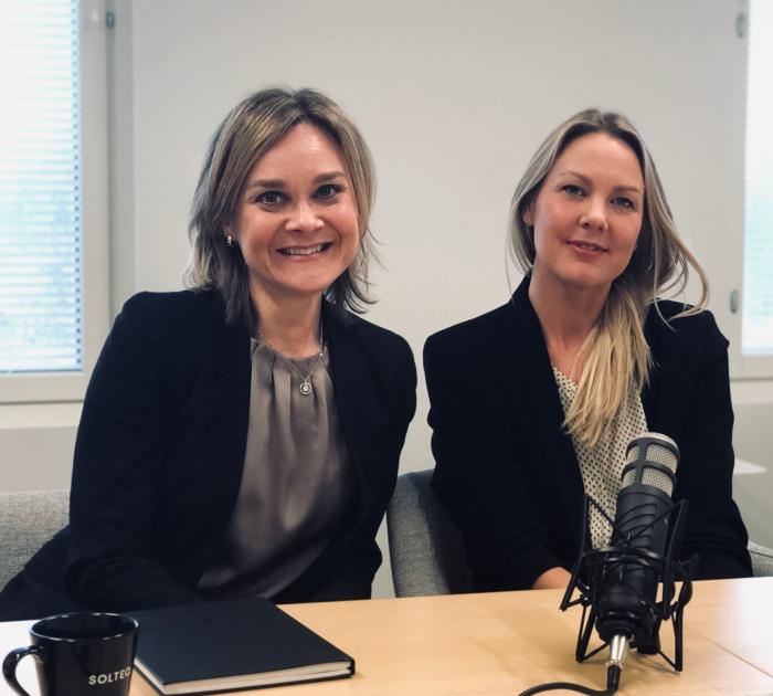Myyntijohtajan aamukahvilla 22.3. puhetta B2B asiakaskokemuksesta, vieraana Salla Seppä & RiikkaTanner
